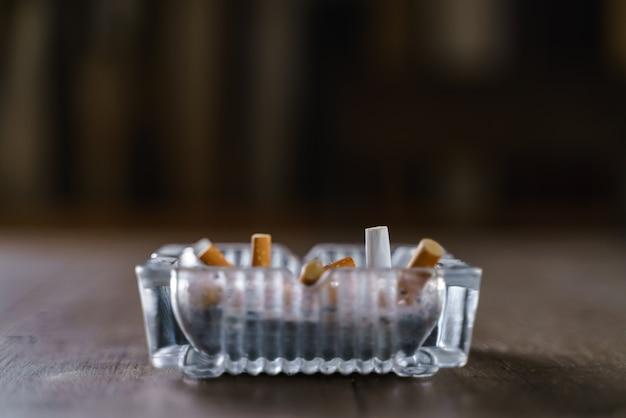 Glazen sigaretten asbakje