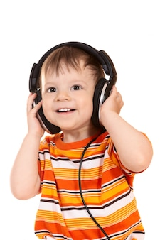 Glimlachende baby met een koptelefoon