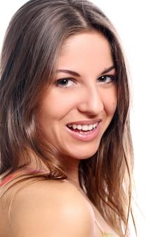 Glimlachende mooie vrouw