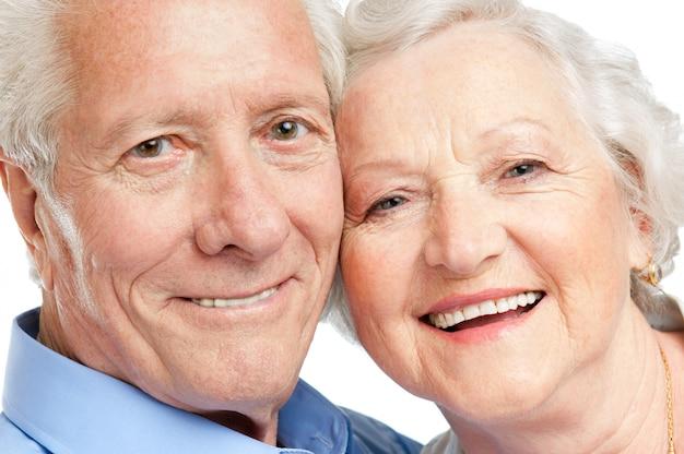 Glimlachende tevreden hogere paarclose-up
