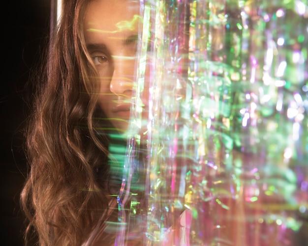 Glitched beweging wazig van een vrouwenportret