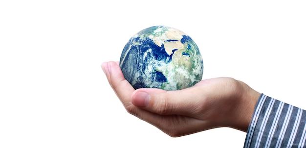 Globe, aarde in de hand, met onze planeet gloeiend. aardebeeld geleverd door nasa