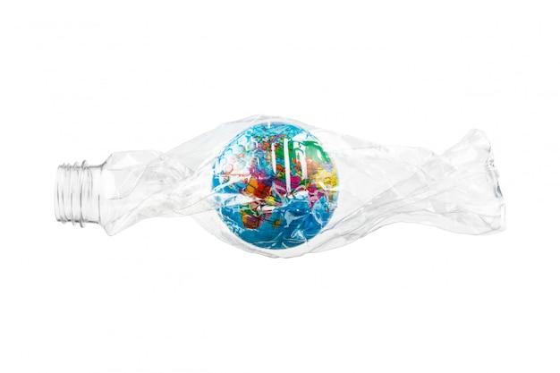 Globe in gerimpelde plastic fles