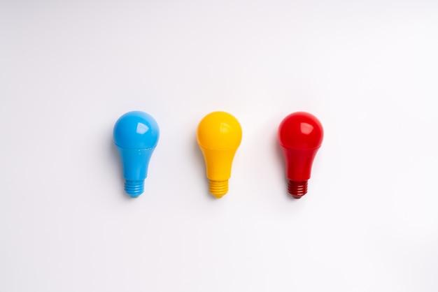 Gloeilamp en lamp voor creatief & leiderschap bedrijfsconcept