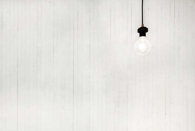 Gloeilamp witte achtergrond helder modern concept