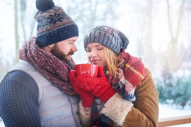Goed smakende koffie aan de buitenkant