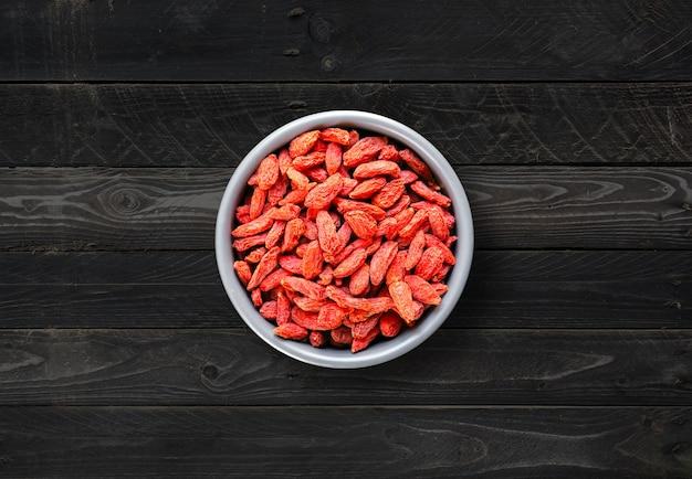 Gojibessen gedroogd superfood in een kom