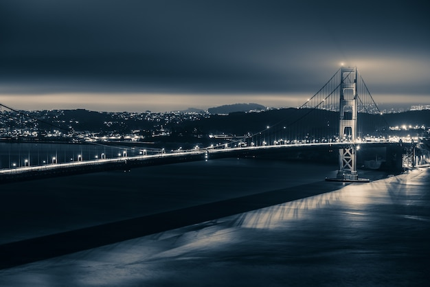 Golden gate night thema