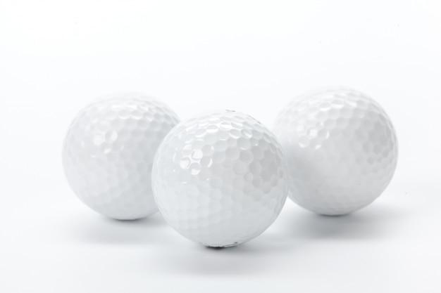 Golfuitrusting op wit wordt geïsoleerd dat