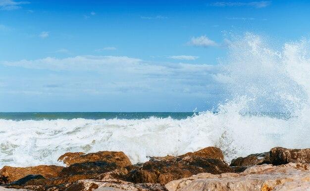 Golven op het zee-landschap