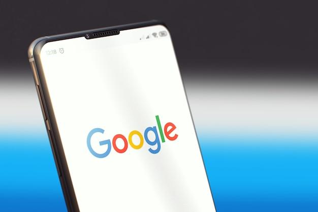 Google mobile-applicatie op het smartphonescherm