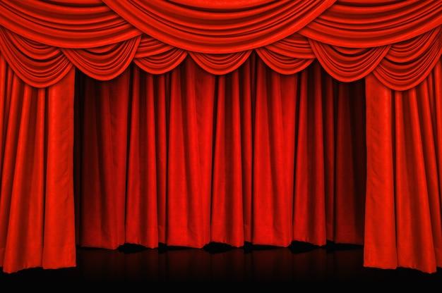 Gordijnen en podium