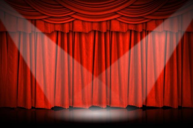 Gordijnen en podium.