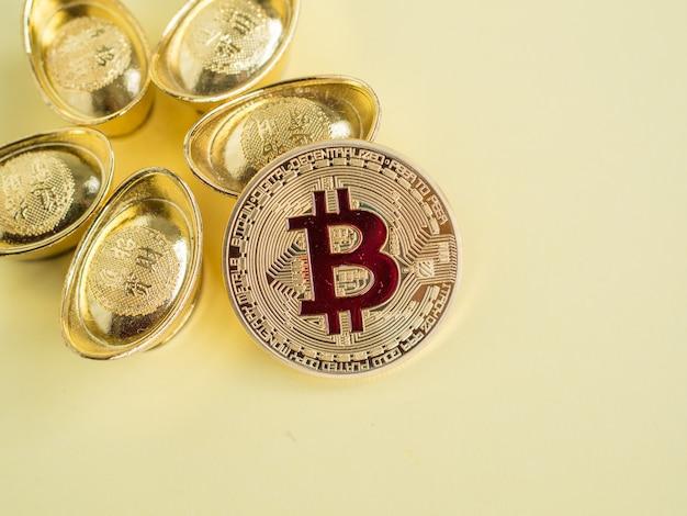 Goud bitcoin-geld is macht, ongeacht of het echt is of niet in de menselijke levensstijl