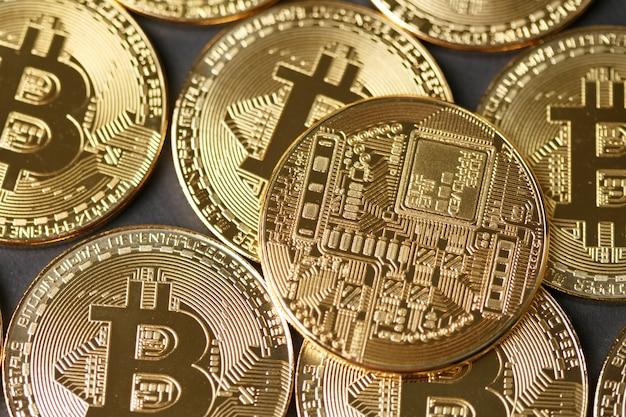 Gouden bitcoin-muntenclose-up