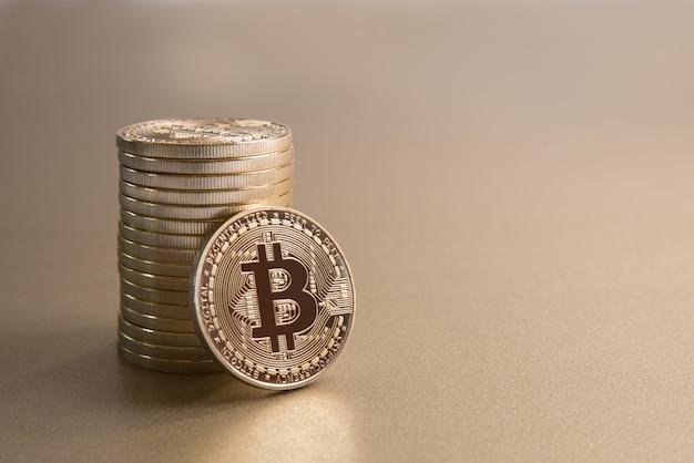 Gouden bitcoin stapel