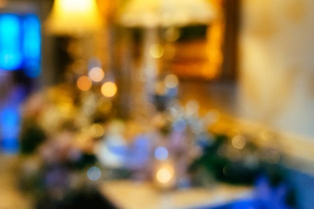 Gouden bokeh van kristallen kroonluchter