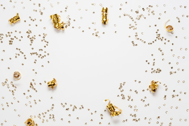 Gouden confetti frame en kopie ruimte