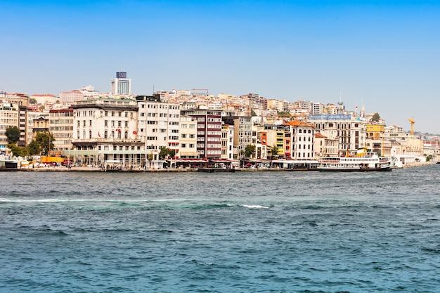 Gouden hoorn en bosporus in istanbul, turkije