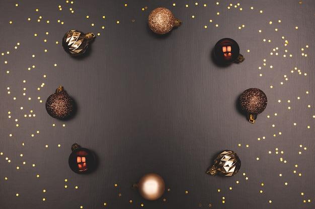 Gouden kleur kerstballen