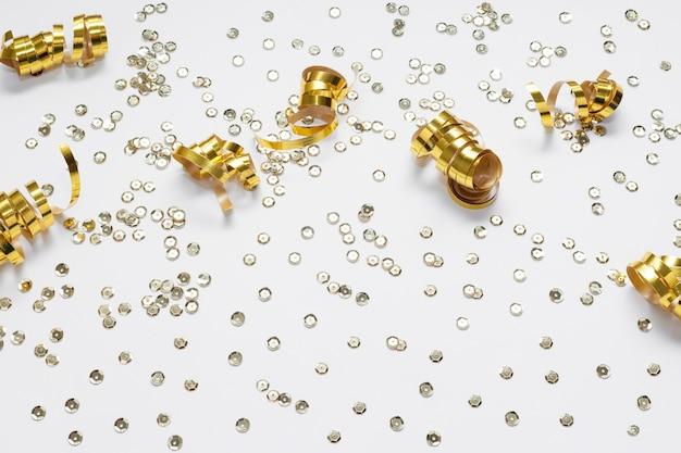 Gouden linten en pailletten hoge weergave