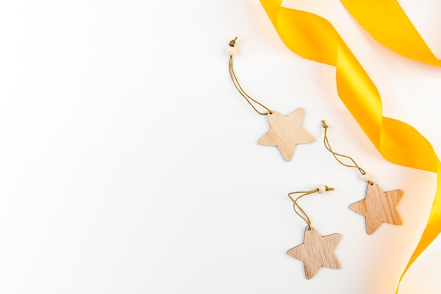 Gouden linten en sterren kopiëren ruimteachtergrond