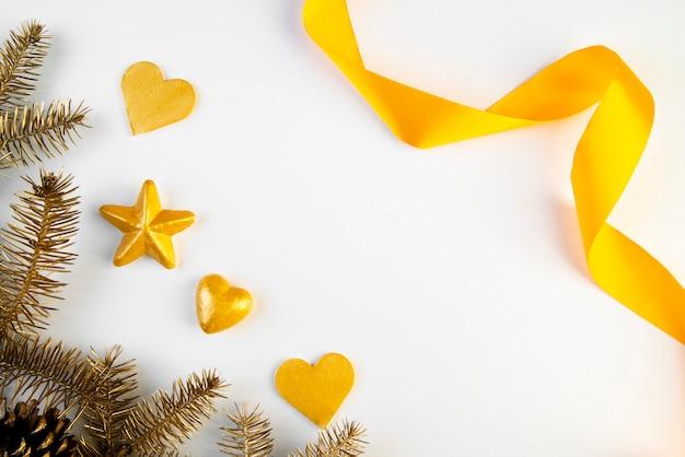Gouden linten met kopie ruimte achtergrond