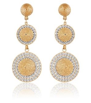 Gouden oorbellen. gouden juwelen. gouden oorbellen voor dames. stijlvolle, trendy oorbellen