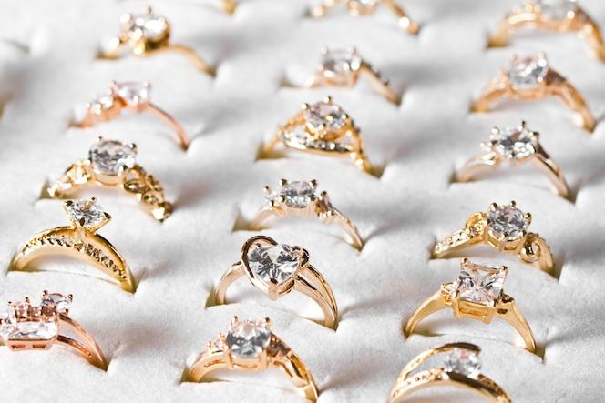 Gouden ring en diamant