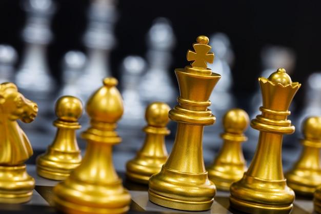 Gouden schaakstukken