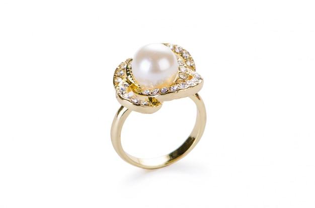 Gouden sieraden ring geïsoleerd