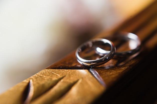 Gouden trouwringen, close-up.