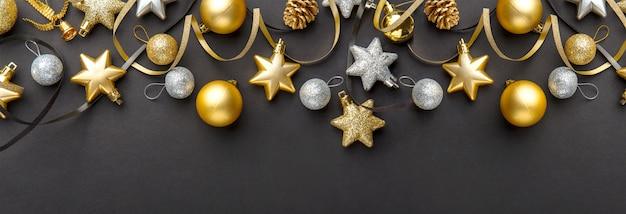 Gouden zilveren kerstdeco op zwart