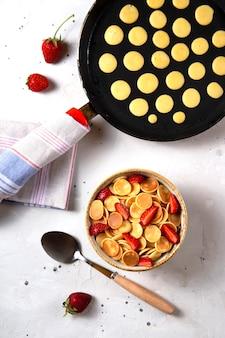Graan pannenkoeken zelfgemaakte creatieve maaltijd.