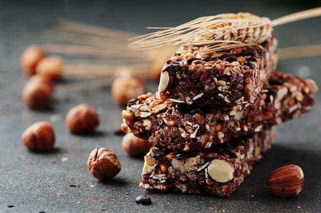 Graanreep met noten en chocolade