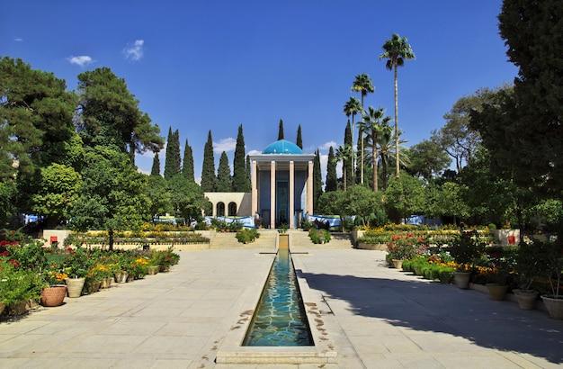 Graf van saadi in shiraz-stad, iran