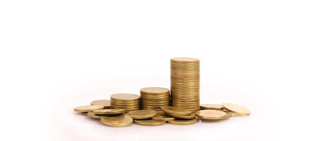 Grafiek aandelenmarkt. stapel munten op stapels. investering en besparingsconcept