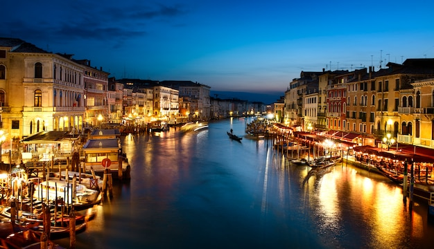 Grand canal bij nacht, venetië