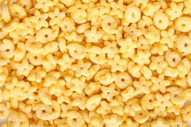 Granen beige kleur in de vorm van ringen en sterren