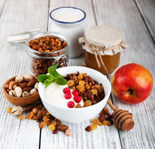Granola-graan met noten