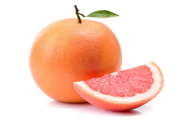 Grapefruit op wit oppervlak