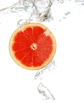 Grapefruit viel in water