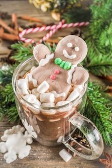 Grappige kerstcacao met marshmallow