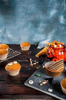 Grappige kindercukcakes voor halloween