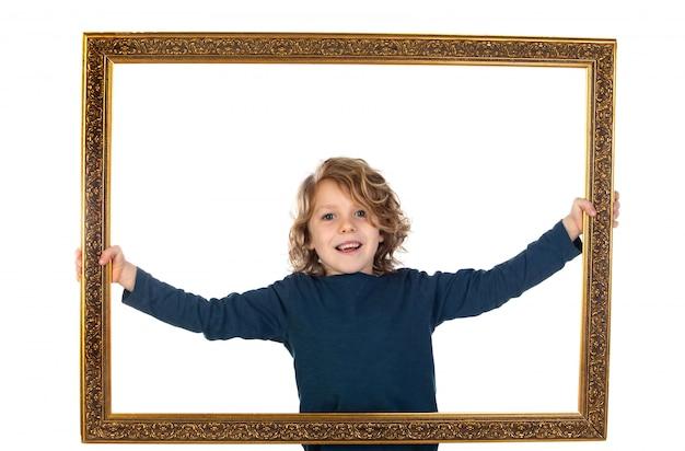 Grappige kleine man met een gouden frame