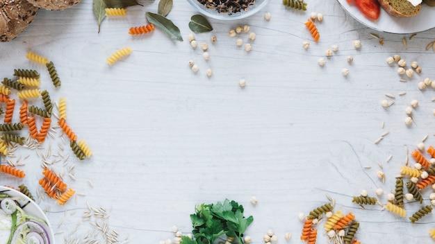 Grens van pasta en kruiden