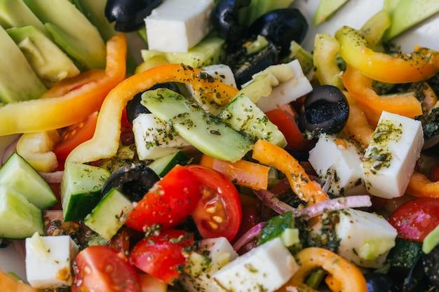 Griekse salade met groenten voor gezond voedsel