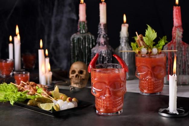 Griezelig halloweenfeest michelada de mexicaanse bloody mary
