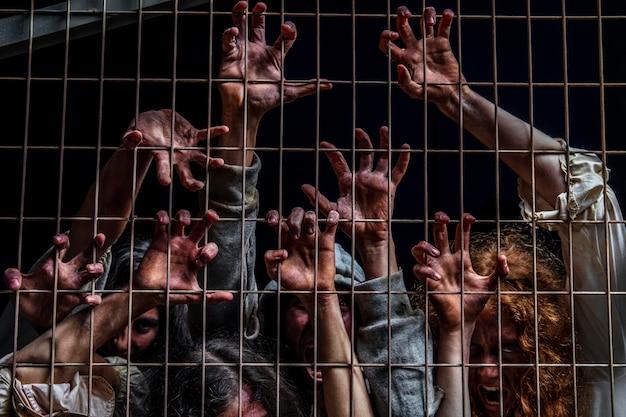 Griezelige ondode mensen buitenshuis