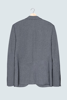 Grijze blazer op hanger casual herenmodekleding